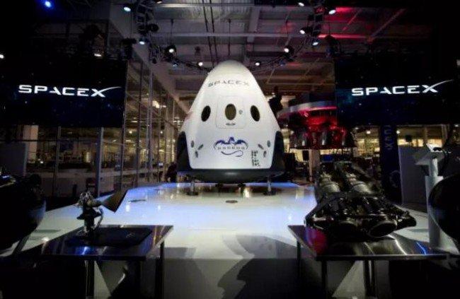 Space X宇宙飞船首次飞行,3D打印发动机为逃生系统提供动力