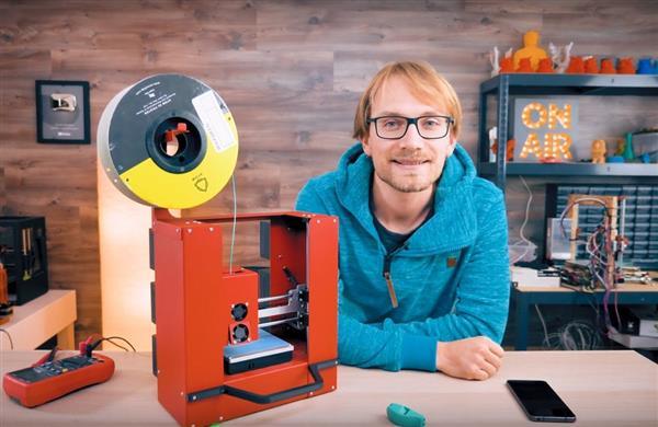 Thomas Sanladerer让3D打印机变成移动工作站